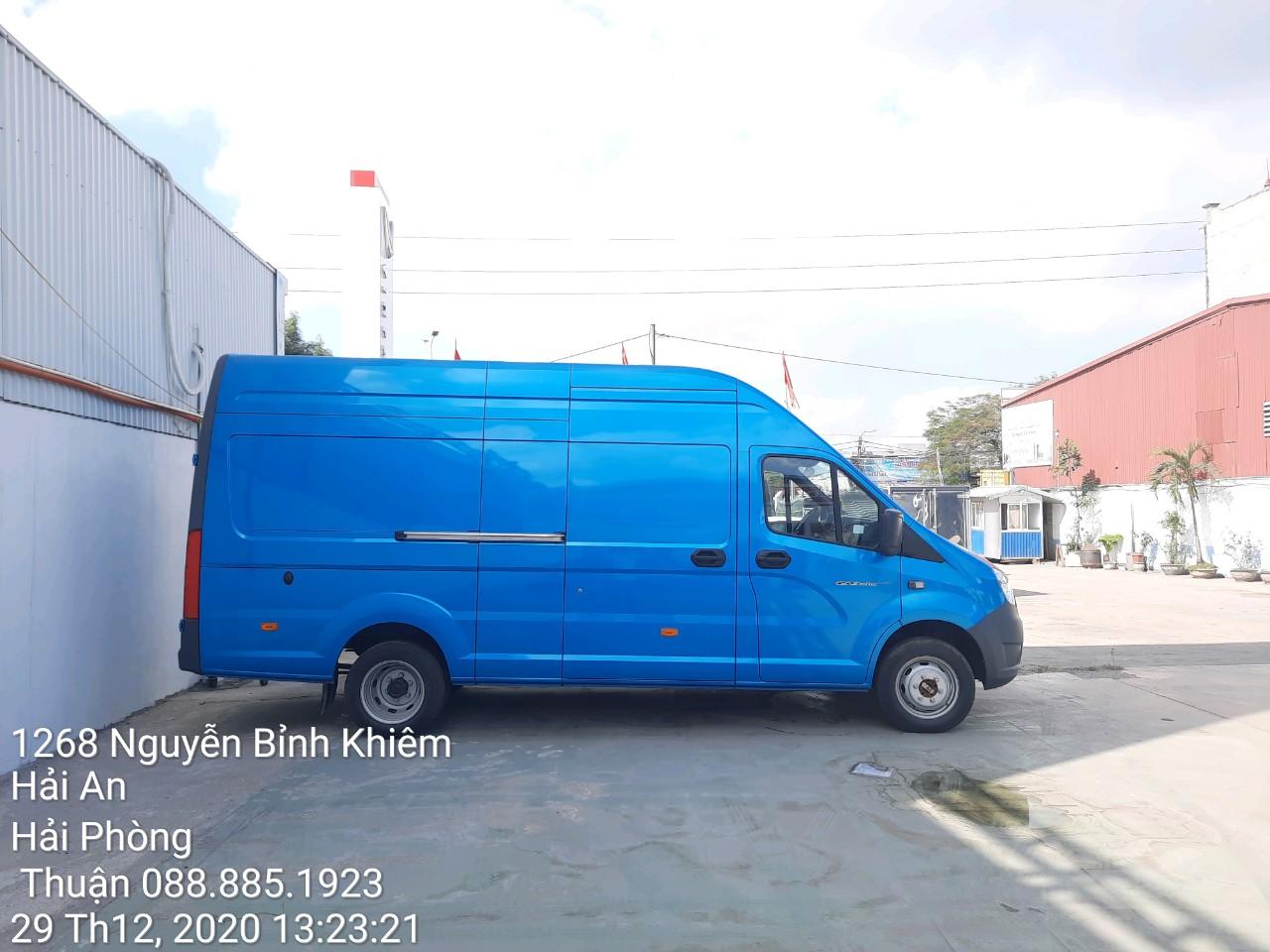 Ngoại quan xe tải Gaz Van 3 chỗ tại Quảng Ninh
