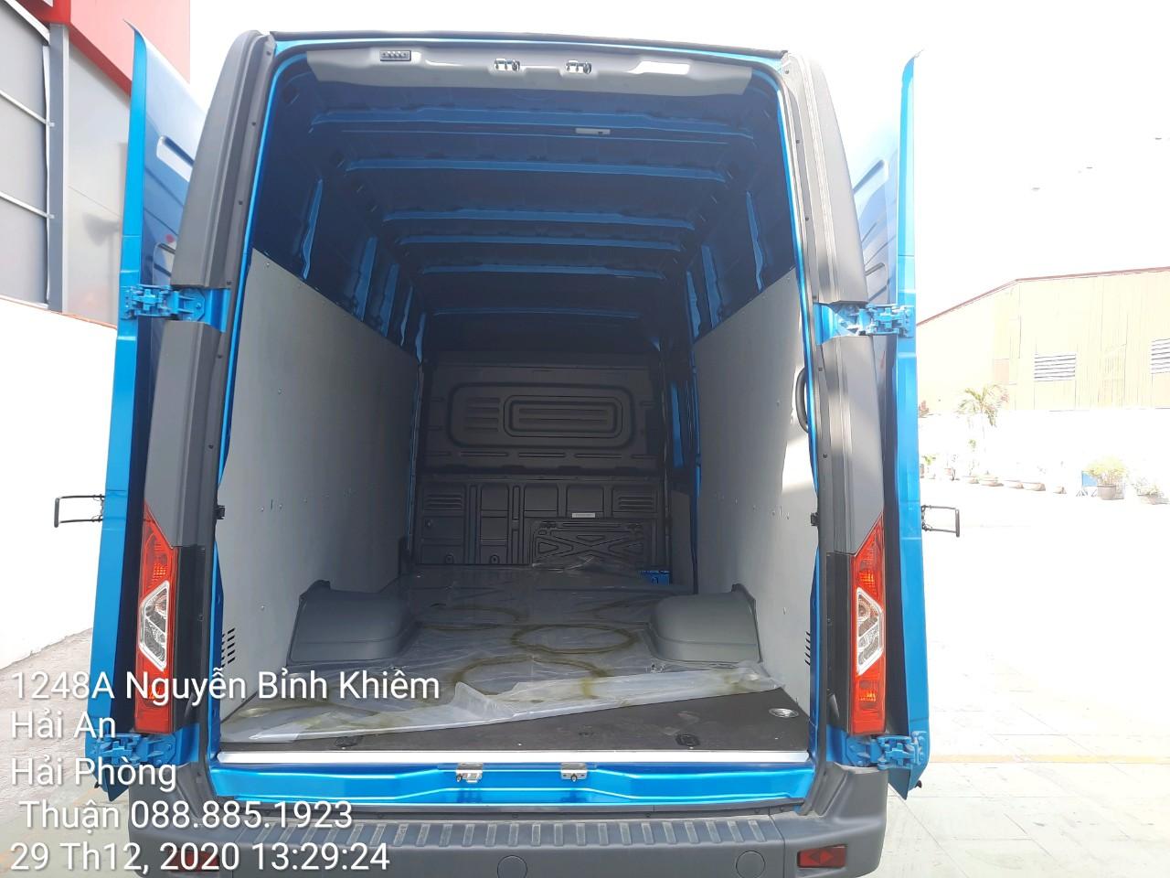 thùng hàng xe tải Gaz Van 3 chỗ tại Quảng Ninh